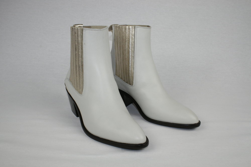 Toral shoes